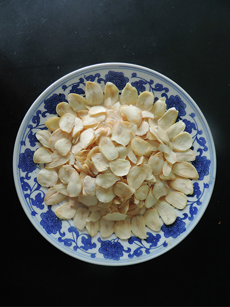 Garlic flake with root带跟蒜片_.jpg